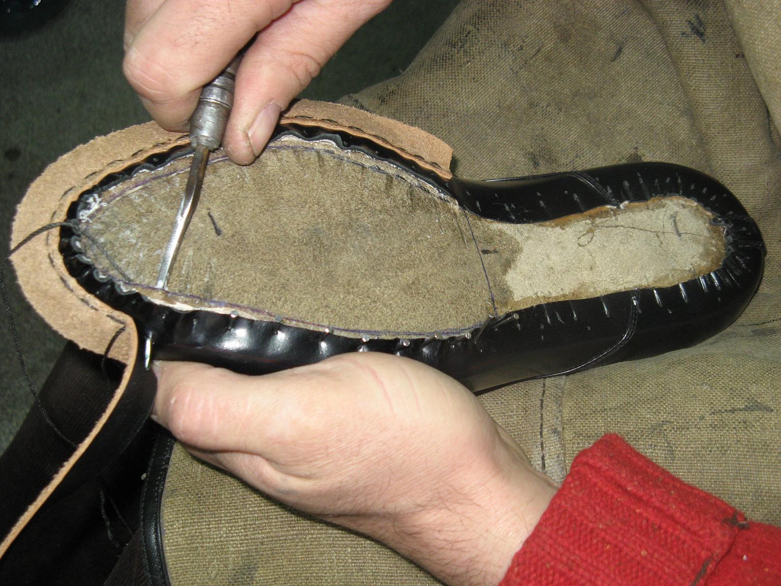 Как можно сшить обувь на заказ 54