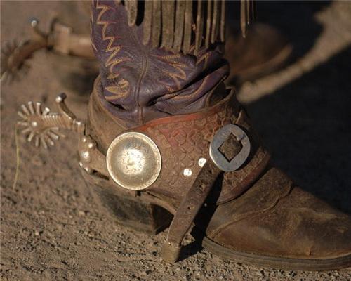 Классические ковбойские сапоги