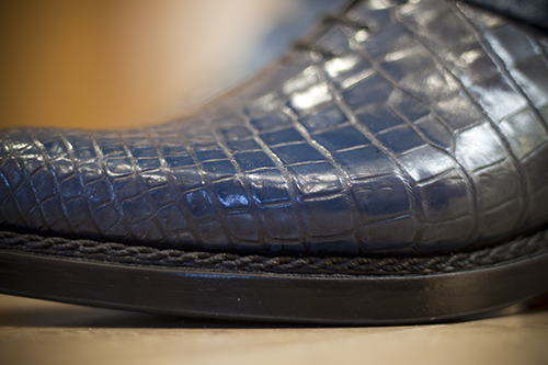 Ботинки из кожи крокодила