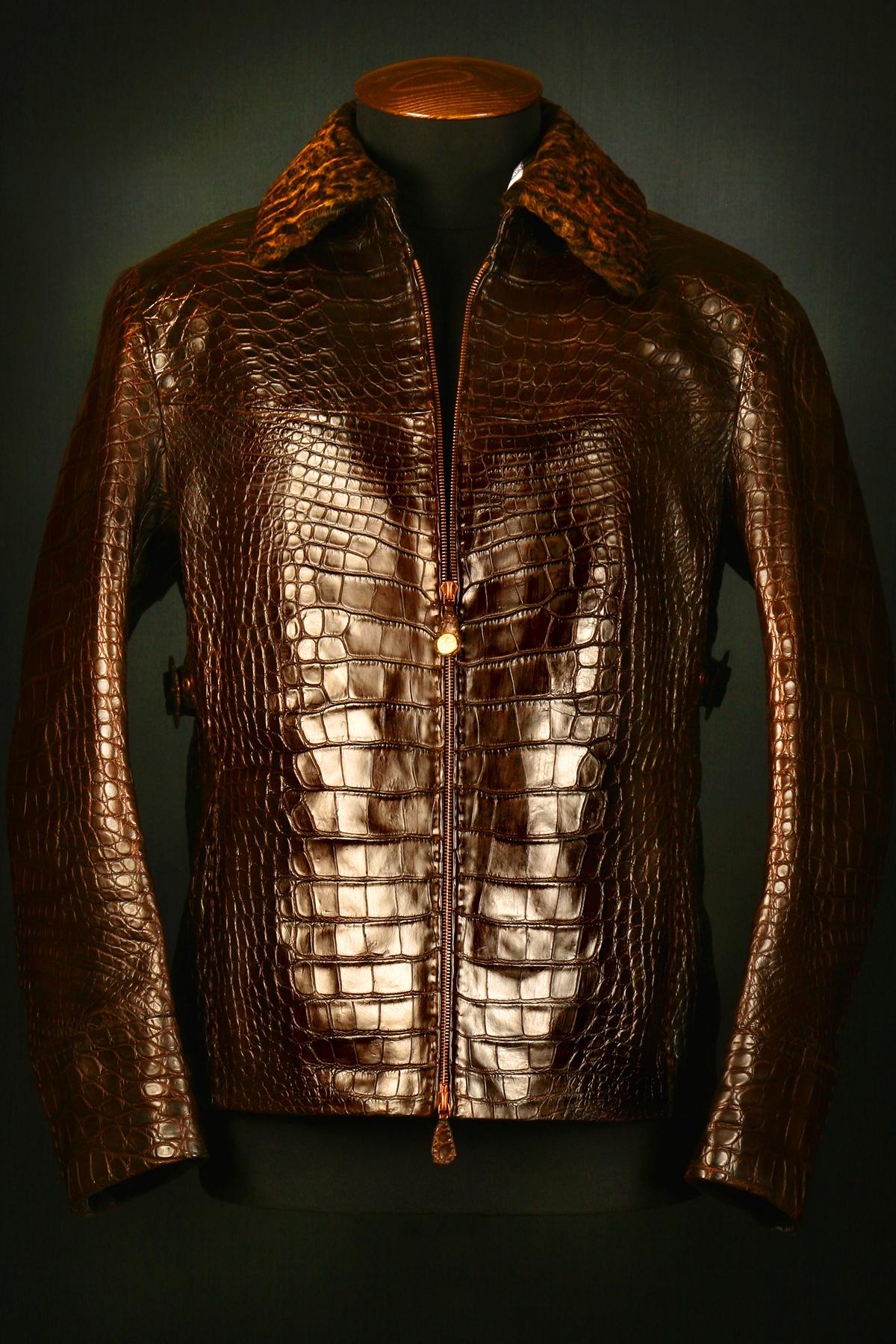 Изделия из кожи крокодила питона страуса купить куртку из.